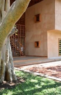 sous-les-voiles-a-nosy-be-madagascar-par-sceg-architects-2