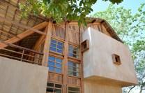 sous-les-voiles-a-nosy-be-madagascar-par-sceg-architects-4