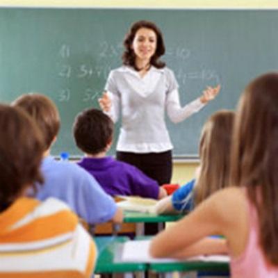 Resultado de imagen para imagenes maestras dando clase