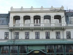 Gjutjärnskonstruktion, våning 3, vitmålad (foto: Antiquum