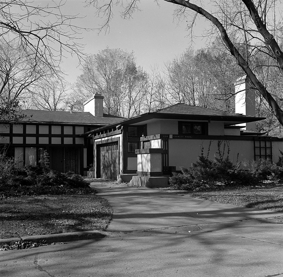 Avery Coonley Residence. Ruth and Rick Meghiddo, 1971. All Rights Reserved.