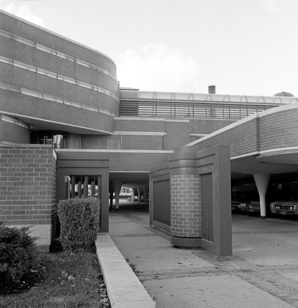 Johnson Wax Building. Ruth and Rick Meghiddo, 1971. All Rights Reserved.