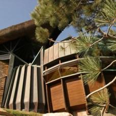 Robert Harvey Oshatz's Elk Rock Residence, Oswago, OR, 1959.