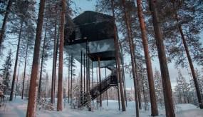 Floating Cabin in Sweden. Architect: Snøhetta.Photo: Johan Jansson.