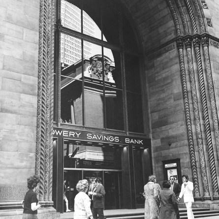 Bowery Savings Bank, New York, 1834. Photo: R&R Meghiddo.