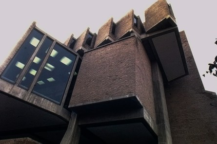 Goddard Library at Clark University, 1969. Architect: John Johansen. Photo: R&R Meghiddo.