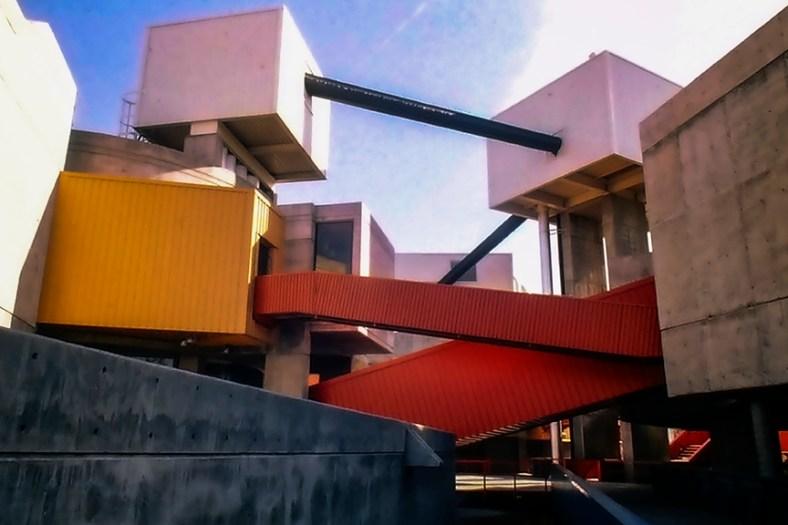 Mummers Theater, Oklahoma City, 1970. Architect: John Johansen. Photo: R&R Meghiddo.