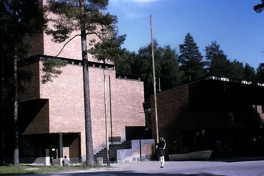 Säynätsalo Town Hall, 1949. Architect: Alvar Aalto - © R&R Meghiddo 1968 – All Rights