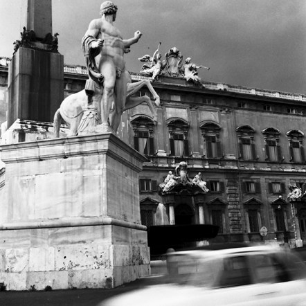 Piazza del Quirinale, 1583 - © R&R Meghiddo 1967 – All Rights Reserved