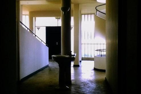 Poissy - Villa Savoye, 1931. Architect: Le Corbusier - © R&R Meghiddo 1968 – All Rights