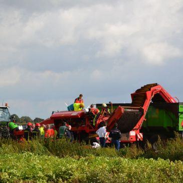 2012-10-04 Beknelling in rooimachine Veelerveen