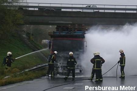 2010-11-04 vrachtwagenbrand Alteveer