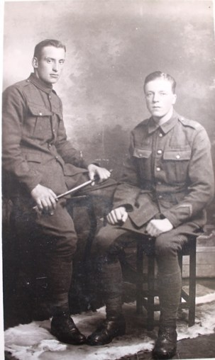 Studio photograph of two WW1 soldiers