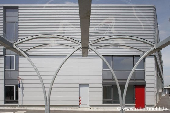 Robert Mehl Aachen Stadtwerke LKW-Hallefahrradständer