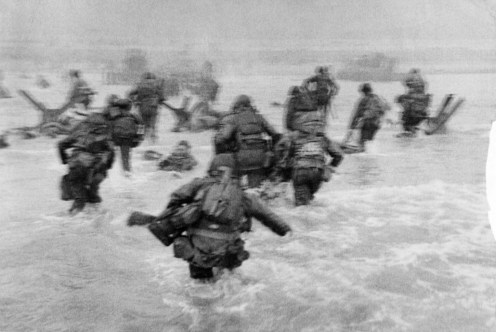 Robert Capa -D-day Omaha Beach