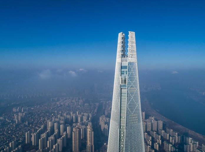 Kohn Pederson Fox Associates' Lotte World Tower in South Korea wins Emporis  Skyscraper award