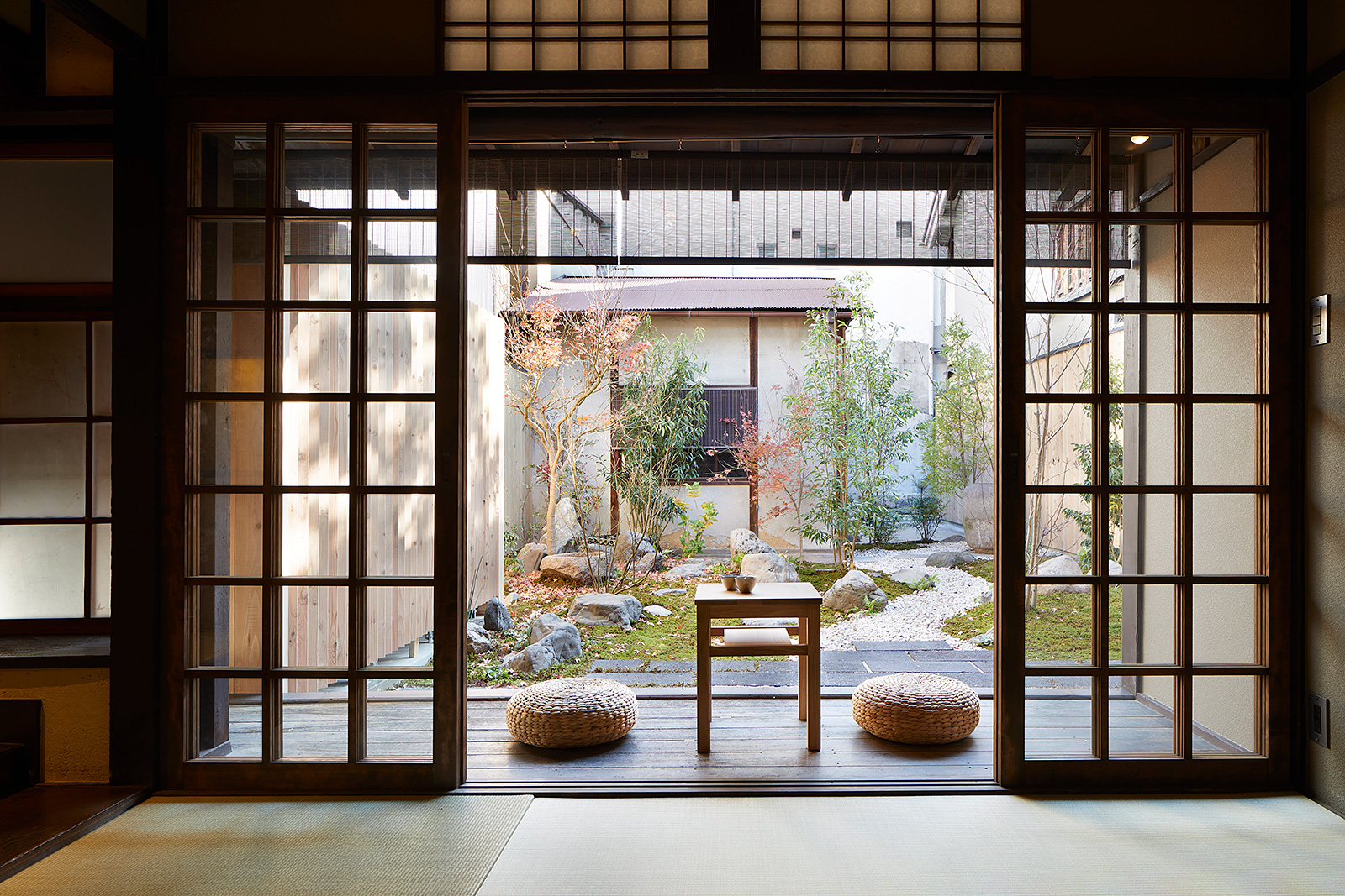 Blending Japanese Traditional And Modern Architecture