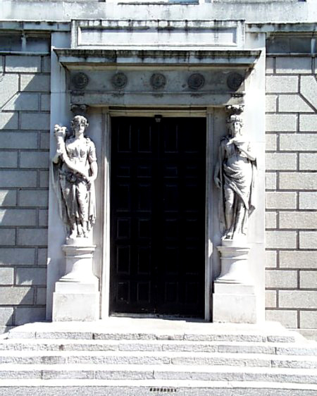 kingsinns_dininghall_doorway_lge