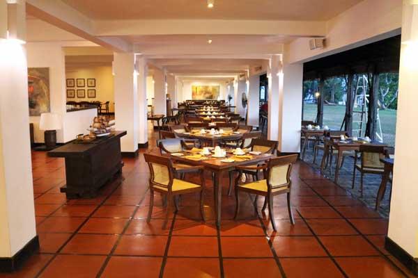 ジェットウィング ラグーン ブルーラグーン レストラン jetwing lagoon blue lagoon restaurant