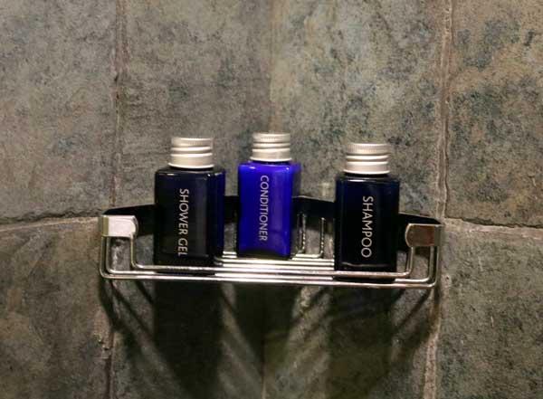 ジェットウィング ライトハウス デラックス ルーム バスルーム アメニティ jetwing lighthouse deluxe room bathroom amenity