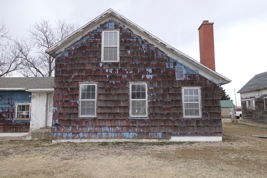 Nebraska House Emulates New England Saltbox