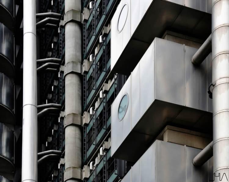 lloyds-building-london-rogers-detail