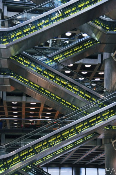 lloyds-building-london-rogers-escalator