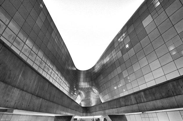ZAHA HADID Dongdaemum Design Plaza seoul - architecture paramétrique
