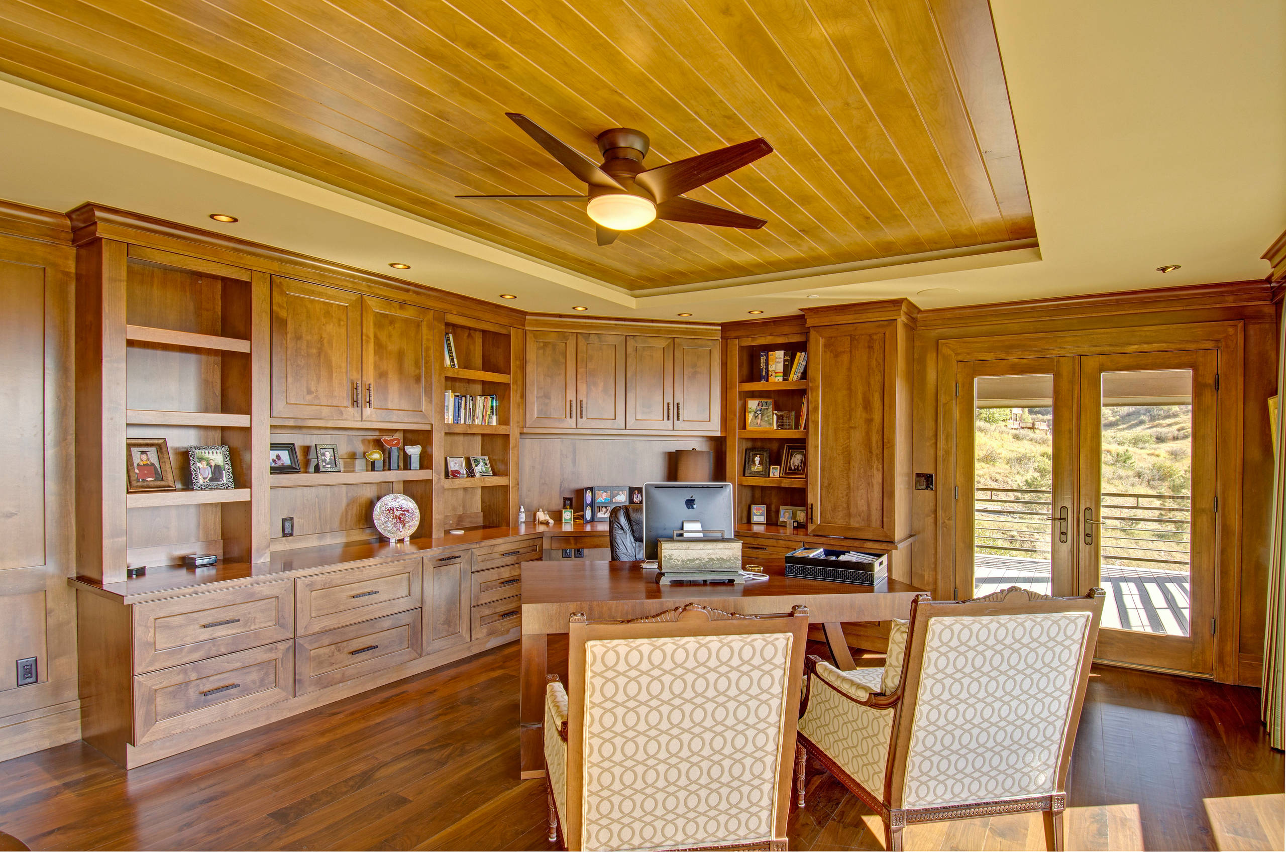 15 Motivational Rustic Home Office Designs That Will