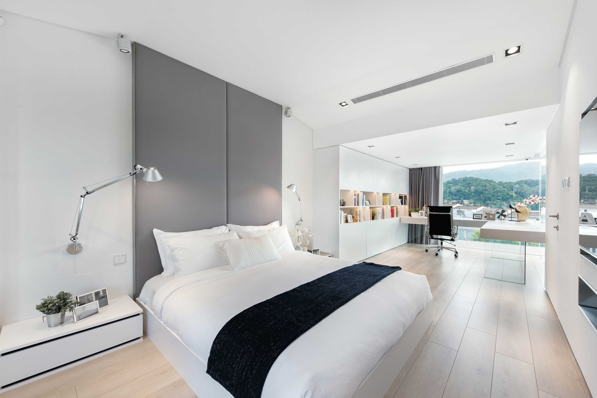 Modern Minimalist House Design with an Admirable ... on Minimalist Bedroom Design  id=14177