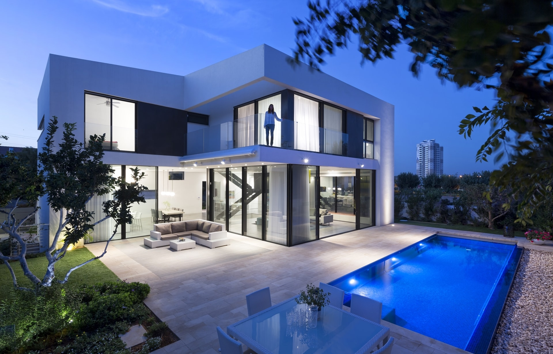 Simple Modern House With An Amazing Floating Stairs   Simple Stairs Design For Small House