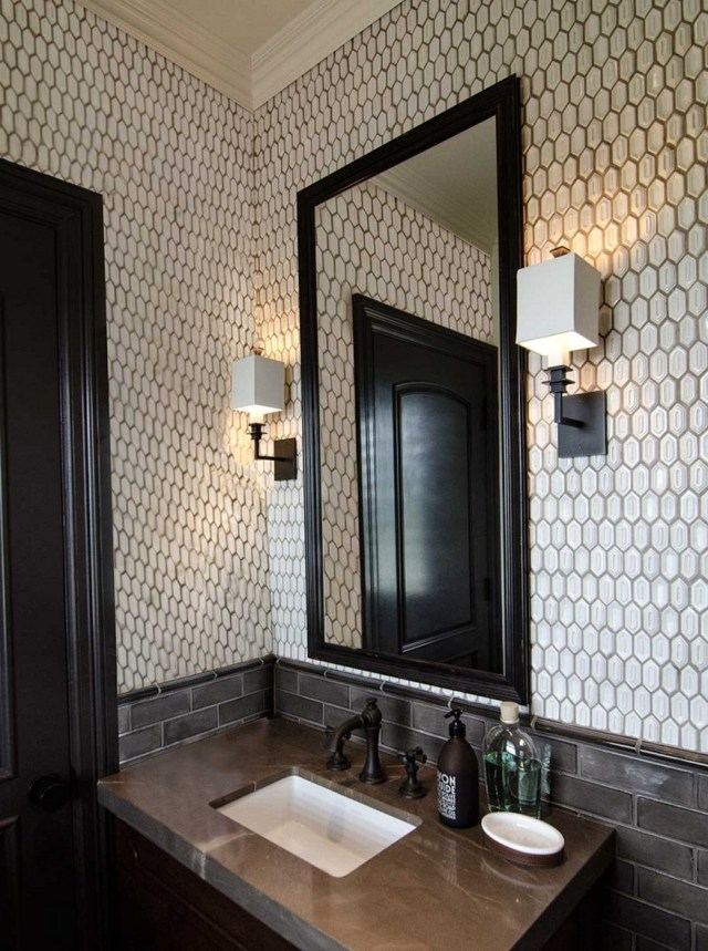 Minimalist Bathroom With Mosaic White Ceramics