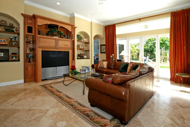 Family Room With Ceramic Patterns And Carpet