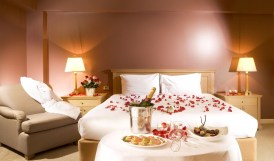 Romantic Bedroom Color Wall Selection
