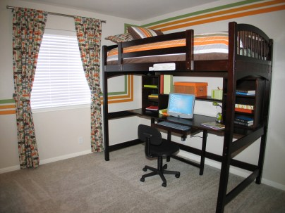 Creative Small Bedroom Ideas For Teenage Boys With Bunk Beds And Tables Underneath