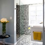 Exquisite Bathroom Decorating Ideas Using Black White Mosaic