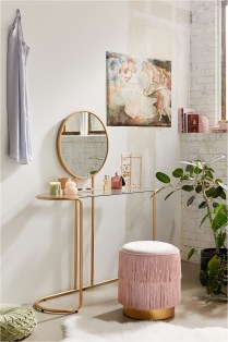 Shabby Chic Makeup Table