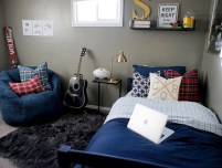 Small Bedroom Ideas For Teen Boys With Comfortable Sofas And Rugs