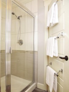 Towel Hanging Ideas For Small Bathroom