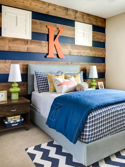 Small Bedroom Ideas For Teenage Boys With Wooden Stripes On The Walls