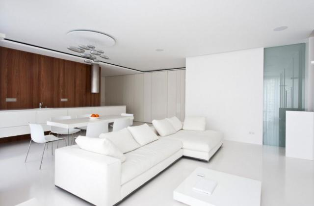 Basic Color for All-White Style House Design