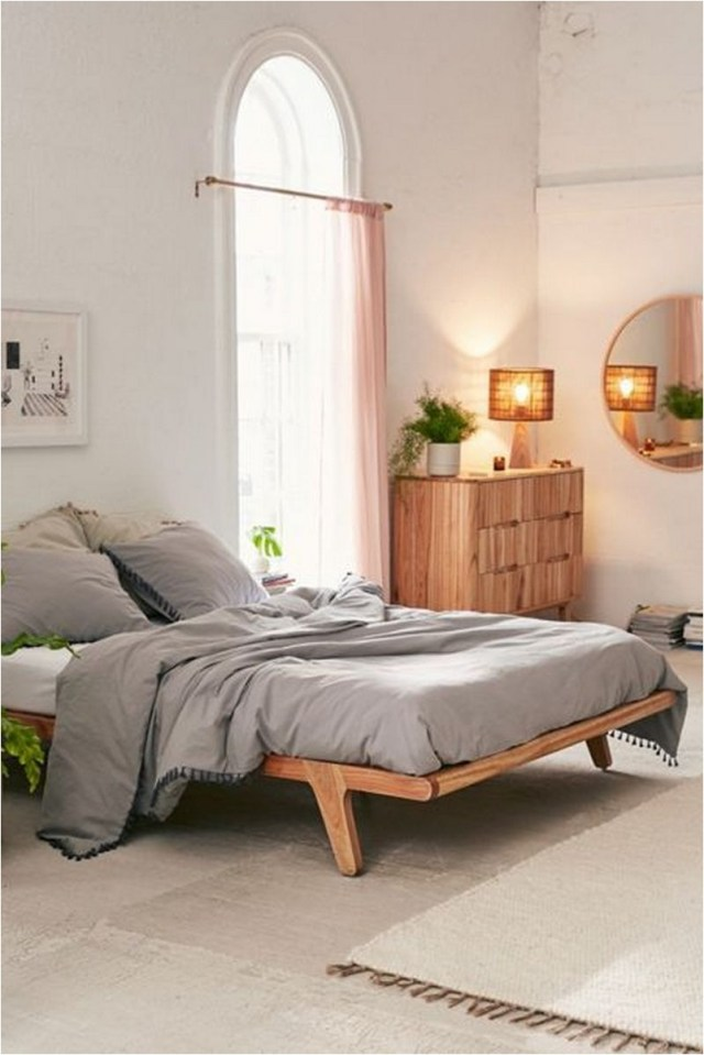 Riley Platform Bed Minimalist
