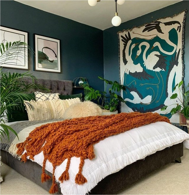 Bedroom Decorations With Plant Green Color