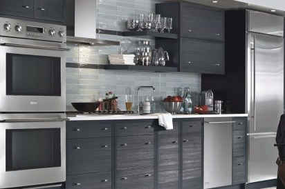 All Black for Change the 2x3 Meters Sized Small Kitchen