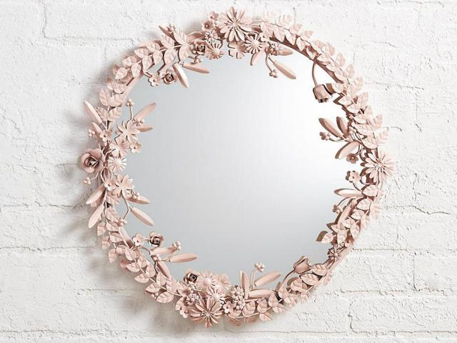 Beautiful Mirror for Millennial Pink Style Bedroom Design