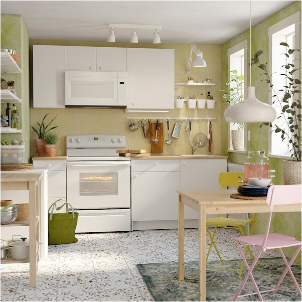 White Kitchen Set for Change the 2x3 Meters Sized Small Kitchen