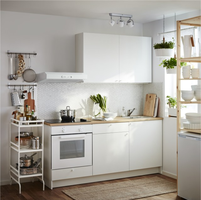 Built In For Maximizing The Functions Of Minimalist Kitchen Set