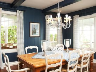 Classic Design for Dining Room with All-Blue Theme