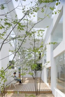 Japanese Style Middle Yard With Wood Ideas