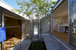 No Roof for Home Yard Design that Has Charming Impressions